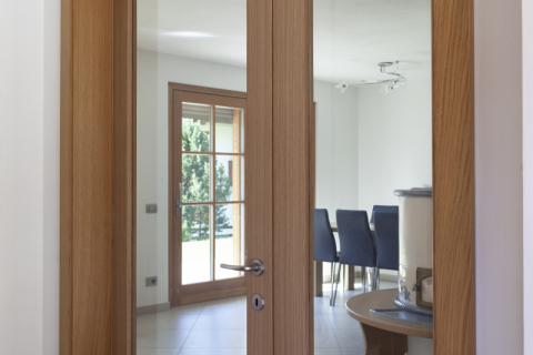 Porte interne a battente legno e vetro