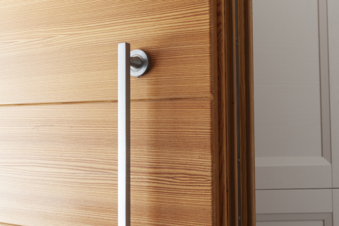 Portoncino in legno moderno